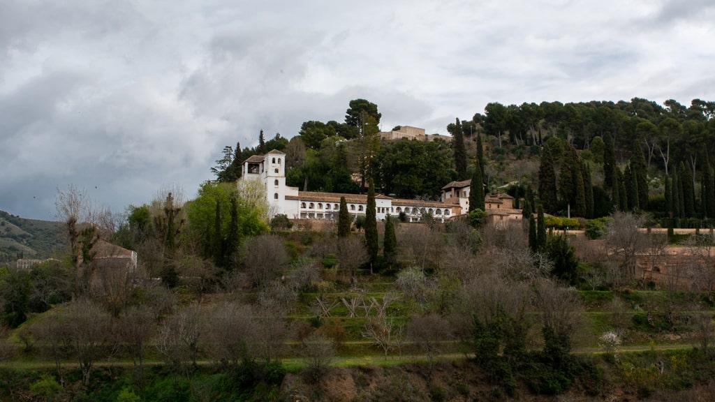 Generalife w Alhambrze widok z Torre de la Vela