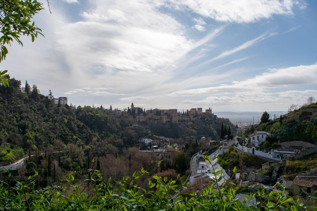 Widok na Grenadę z Sacromonte